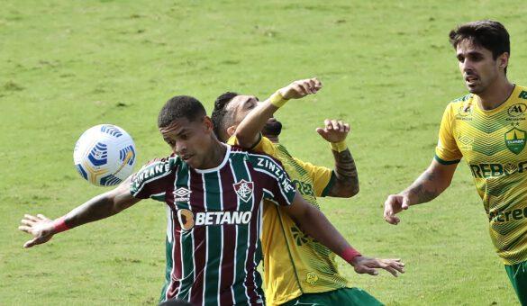 O Cuiabá dificultou as ações do ataque tricolor