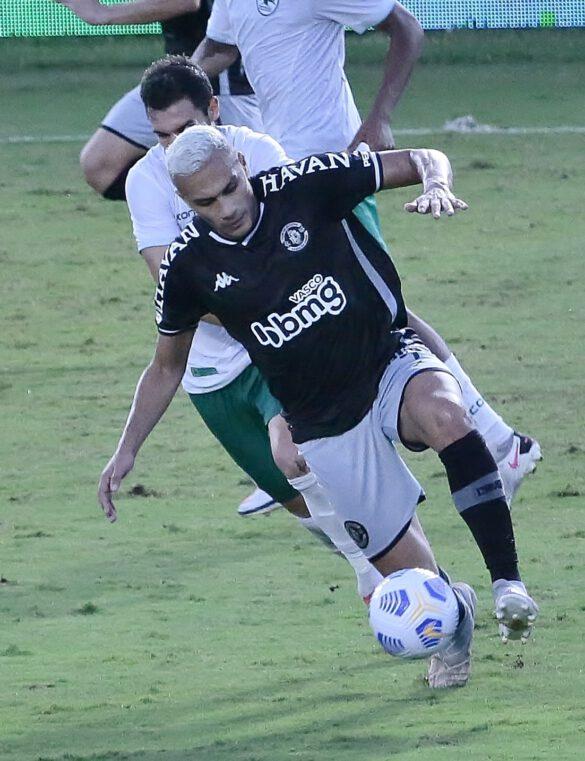 Léo Jabá fez o lançamento para o gol de empate