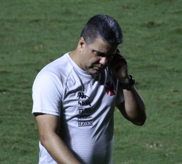 Marcelo Cabo preocupado com o desempenho dos seus comandados