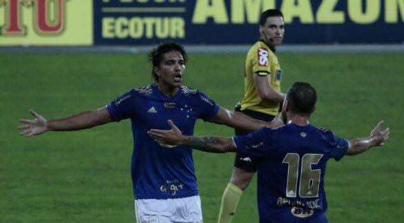 Moreno comemorando