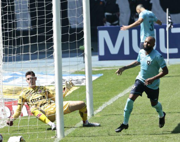Chay comemora seu gol