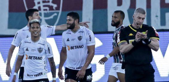A confirmação do gol de Nacho Fernández